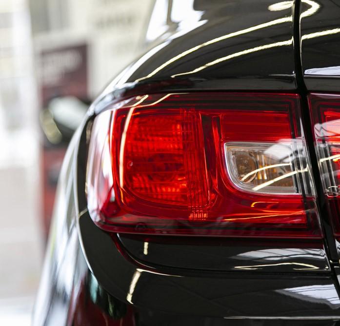• Vente de véhicules neufs ou d'occasion de toutes marques
