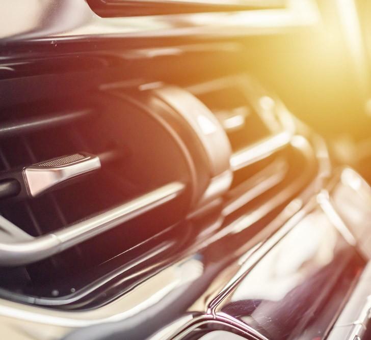 recharger sa climatisation à partir de 130 euros selon la marque de votre véhicule et son modèle